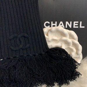 Chanel hooded scarf Nwt $1225 rare black